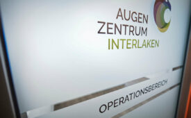 OP Tür Augenzentrum Interlaken
